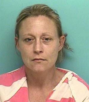 Connestee Lynn Volino invadiu casa nos EUA e foi flagrada depilando a área íntima no banheiro (Foto: Divulgação/Montgomery County Sheriff's Office)