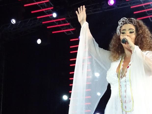 Karynna Spinelli exaltou as origens negras em show no Marco Zero (Foto: Katherine Coutinho/G1)