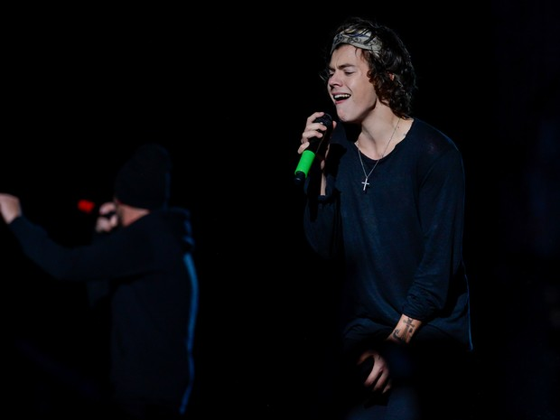 Harry, do One Direction, durante show neste sábado (10) no Morumbi, em São Paulo (Foto: Flavio Moraes/G1)