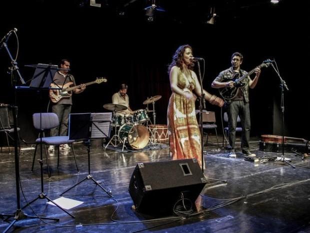 Músicos do 'Saramandaia' vivem em São Vicente, SP (Foto: Divulgação / Saramandaia)