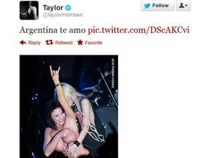 Imagem postada pela atriz e cantora Taylor Momsen nesta segunda-feira (30) (Foto: Reprodução/Twitter)
