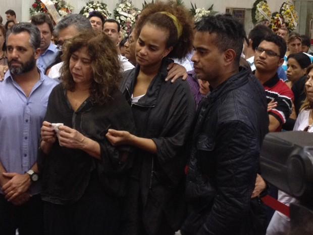 Família e amigos velam o corpo de Jair Rodrigues em São Paulo (Foto: Fabiana de Carvalho/G1)